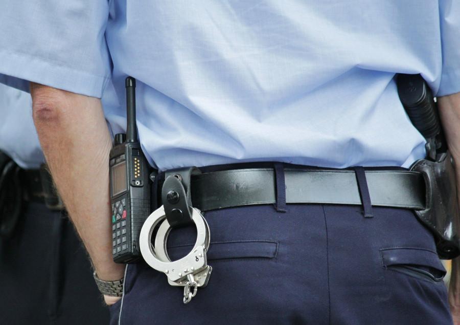 ForPost - Новости : Пять полицейских заковали в наручники судью, перепутав его с бандитом
