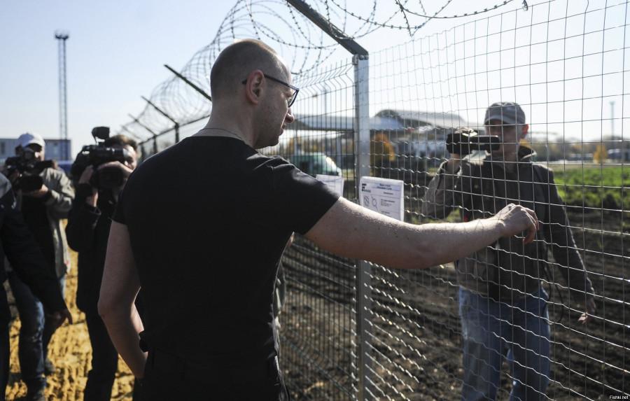 """Правительство Украины увеличило финансирование проекта """"Стена"""" на границе с Россией"""
