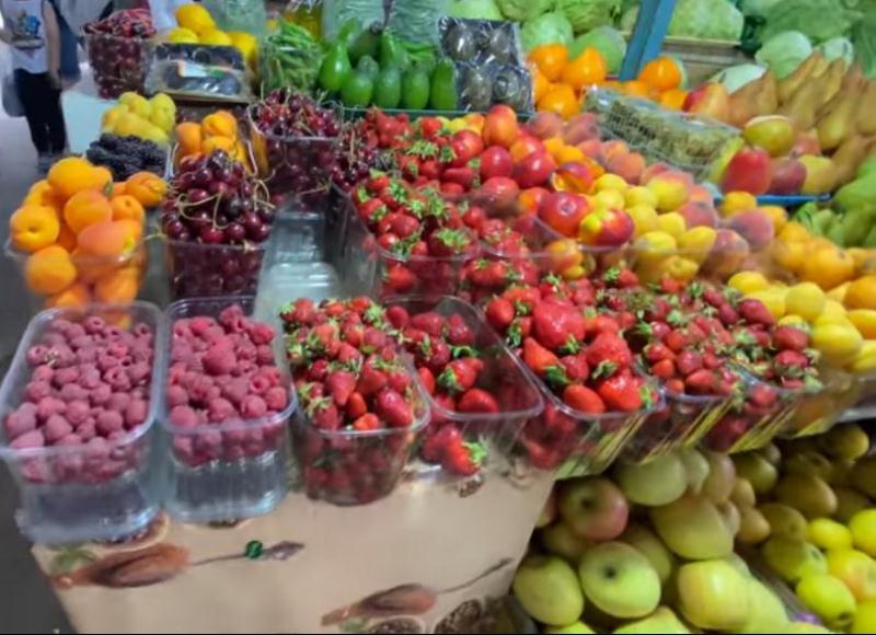 ForPost - Новости : Цены на фрукты и ягоды в Крыму — космос
