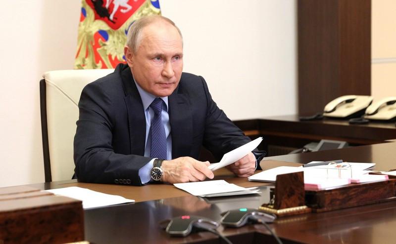 ForPost - Новости : Путин пообещал «выбить зубы» всем желающим что-то откусить от России