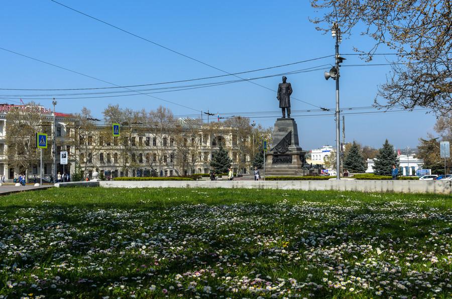 ForPost - Новости : В центре Севастополя организуют парковку экскурсионных автобусов