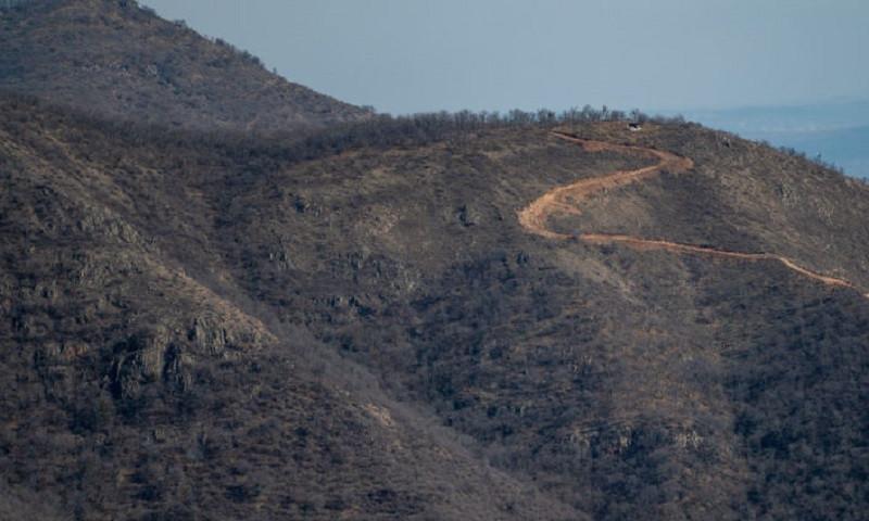 Азербайджан взял в плен шесть армянских военных, ситуация обостряется