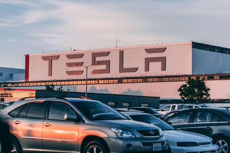 ForPost - Новости : Власти Крыма сочли возможным строительство Tesla на полуострове