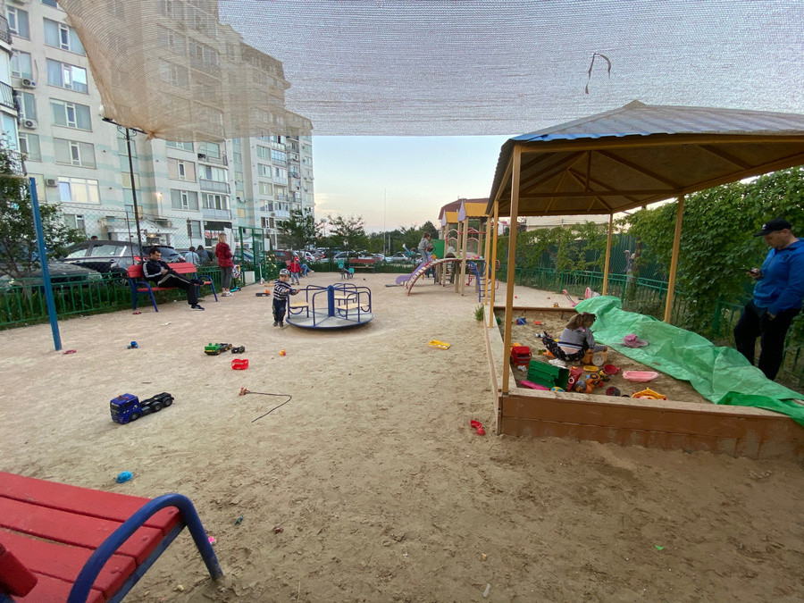 ForPost - Новости : Жилая застройка может уничтожить детскую площадку в Севастополе