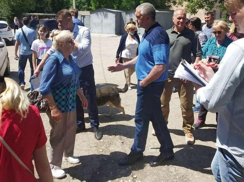 ForPost - Новости : Аксенов обвинил в существовании «дома-призрака» в Симферополе «придурков»