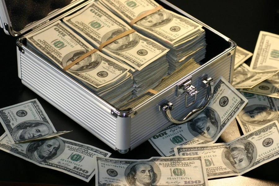 ForPost - Новости : Мужчина три недели носил с собой миллион долларов и не знал об этом