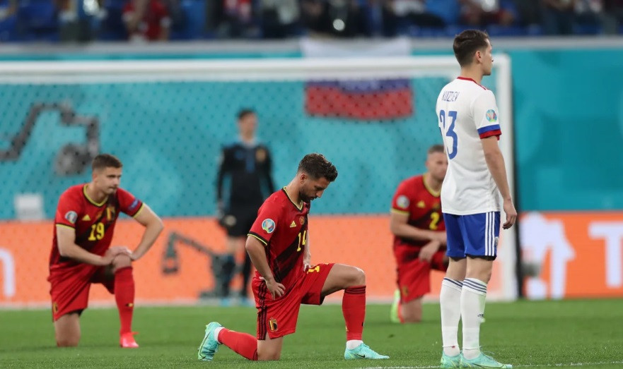 ForPost - Новости : «Русские начинают мне нравиться»: британцы об отказе сборной РФ преклонить колено
