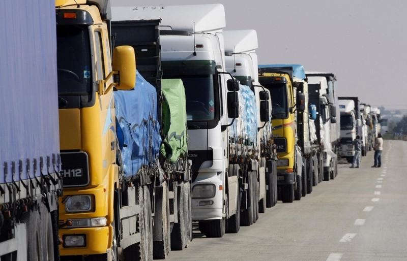 ForPost - Новости : Дальнобойщик призвал водителей к забастовке