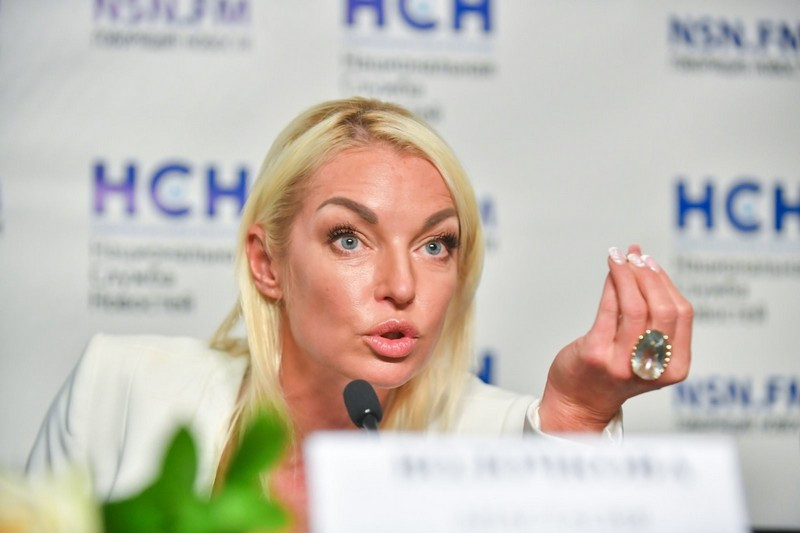 ForPost - Новости : «Спросите у Цискаридзе»: Волочкова обвинила Большой театр в домогательствах