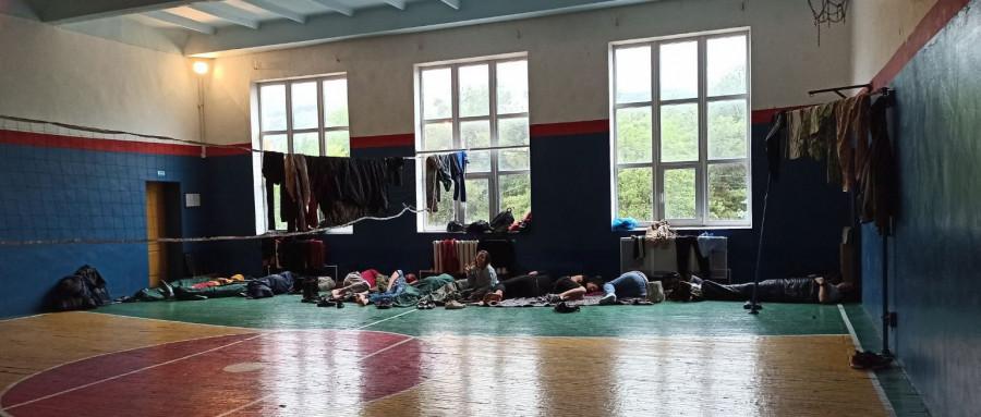 ForPost - Новости : Маршрут боевой славы Севастополя вывел 15 уральцев через пожарную часть в школьный спортзал