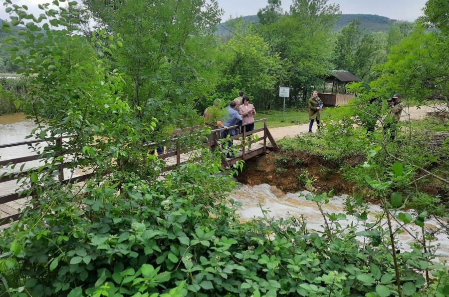 ForPost - Новости : Разлив на Тороповой даче оставил оползни и следы селей