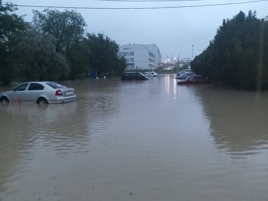 ForPost - Новости : Севастополь приходит в себя после ливня