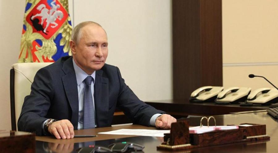ForPost - Новости : Путин анонсировал введение единого базового оклада для медработников в РФ