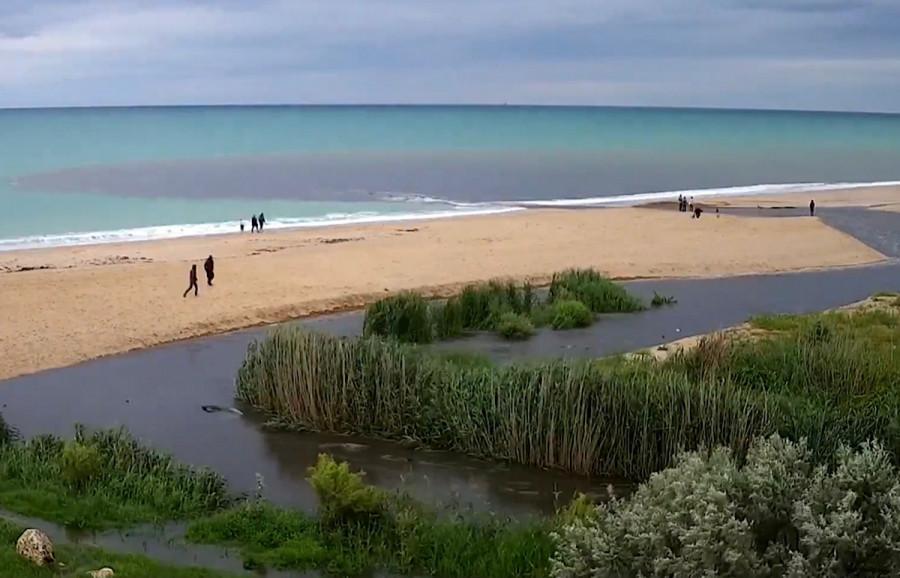 ForPost - Новости : Разлив реки Бельбек в Севастополе попал на видео