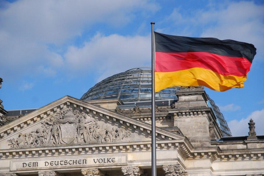 ForPost - Новости : Правительство Германии обвинили в подготовке к войне с Россией