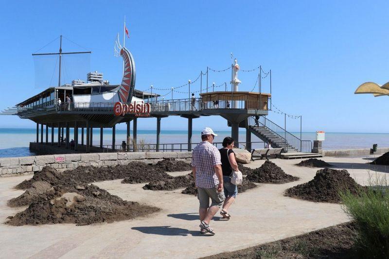 ForPost - Новости : Туристы со всего Крыма спешат увидеть разрушения в Ялте