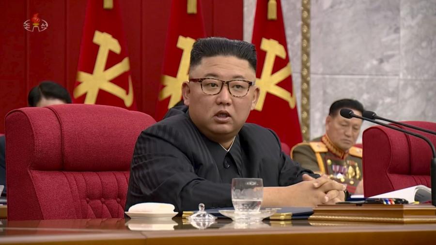 ForPost - Новости : «Голодает вместе с нацией»: похудевшего Ким Чен Ына используют в пропаганде