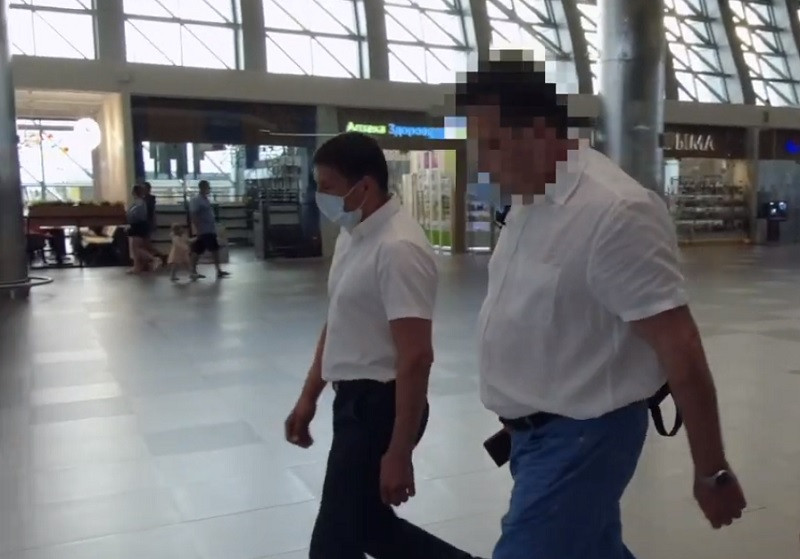 ForPost - Новости : В крымском аэропорту ФСБ задержала бизнесмена