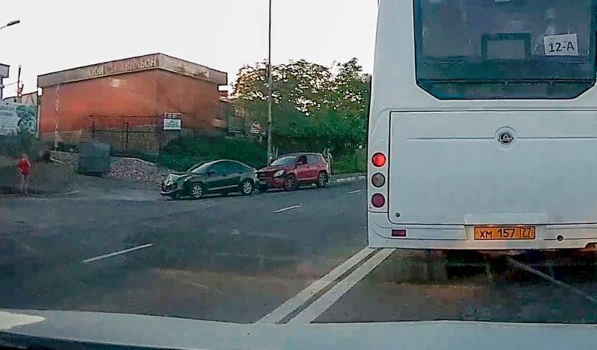 ForPost - Новости : В массовой аварии в Севастополе пострадало 5 машин