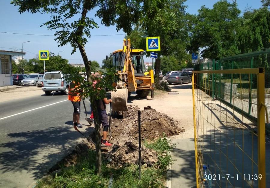 ForPost - Новости : Исторический бульвар в Севастополе вновь подвергся атаке ремонтников