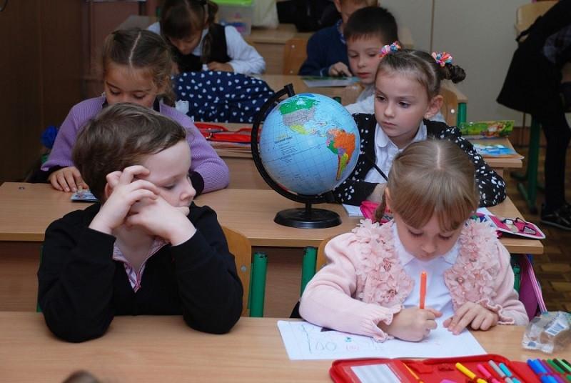 ForPost - Новости : Назван срок выплаты 10 тыс. рублей от Путина семьям с детьми