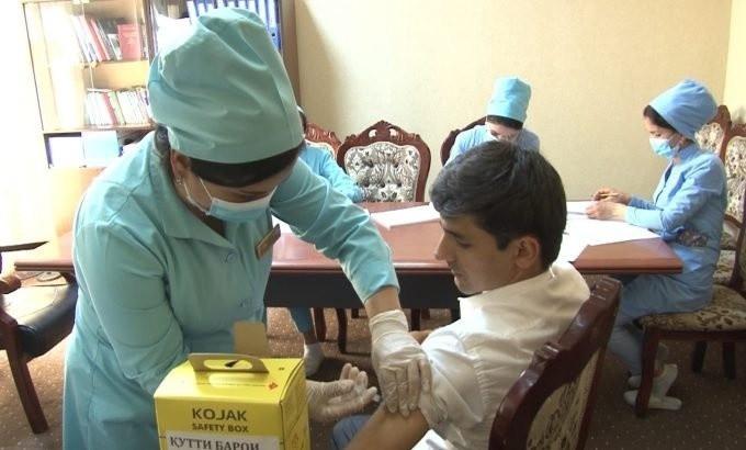 ForPost - Новости : В Таджикистане ввели обязательную вакцинацию взрослого населения