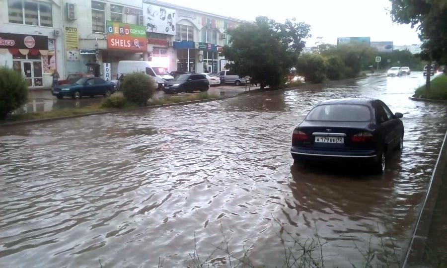 ForPost - Новости : Севастополь «сушит вёсла» после вчерашнего ливня