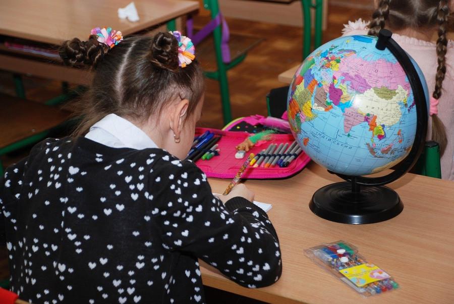 ForPost - Новости : В Севастополе начинают принимать заявления на президентские выплаты школьникам