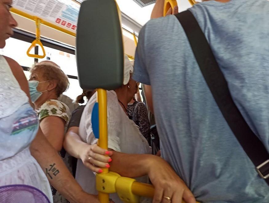 ForPost - Новости : В севастопольском транспорте можно умереть от духоты