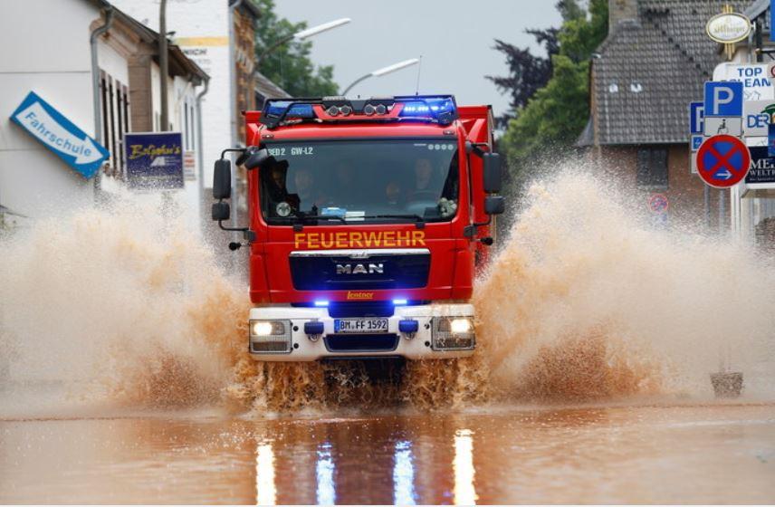ForPost - Новости : На западе Германии объявили режим военной катастрофы из-за наводнения
