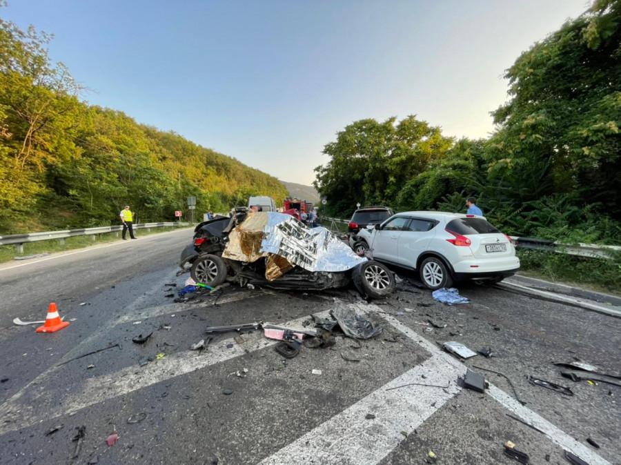 ForPost - Новости : Страшное ДТП с пятью смертями произошло в Севастополе