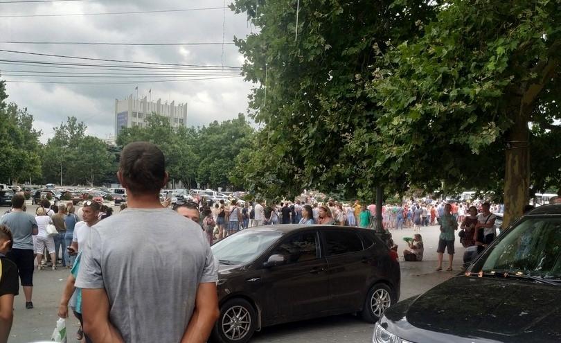 ForPost - Новости : Губернатор Севастополя отчитал подчиненных за столпотворение на площади Нахимова