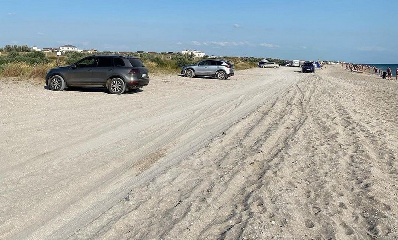 ForPost - Новости : Автомобиль сбил 5-летнюю девочку на пляже в Крыму