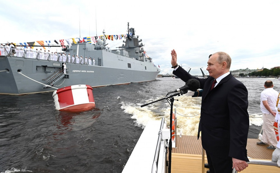 ForPost - Новости : «У нас есть силы стереть Россию»: на Западе обсуждают выступление Путина в День ВМФ