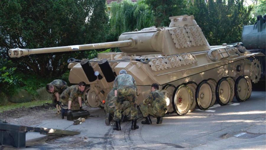 ForPost - Новости : В Германии не знают, что делать с пенсионером, который хранил в подвале танк