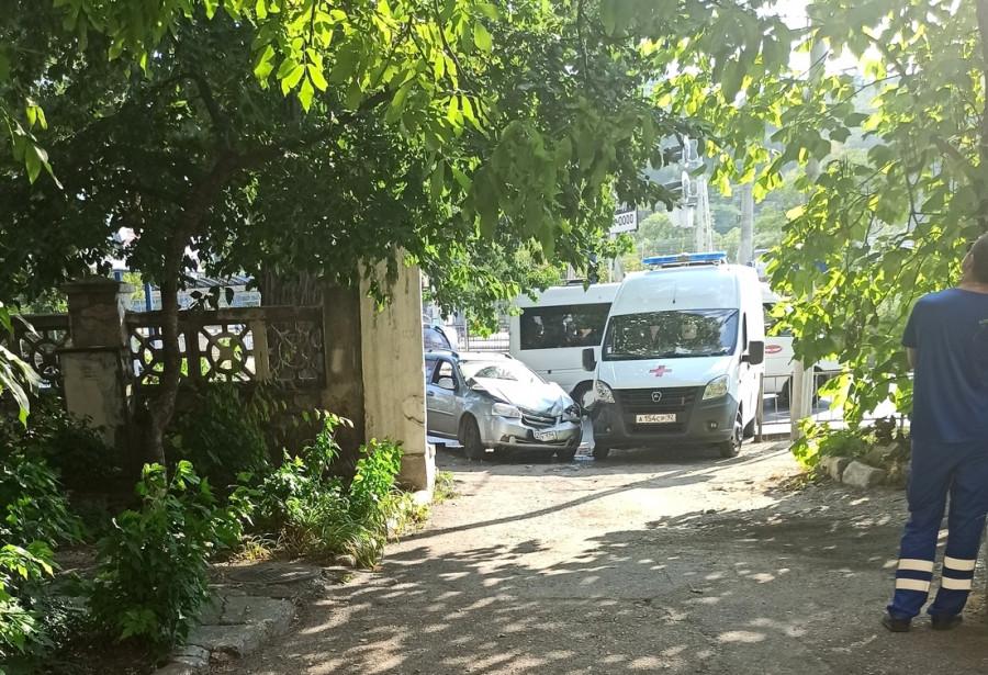 ForPost - Новости : Водитель «скорой» в Севастополе оштрафован за лихую езду
