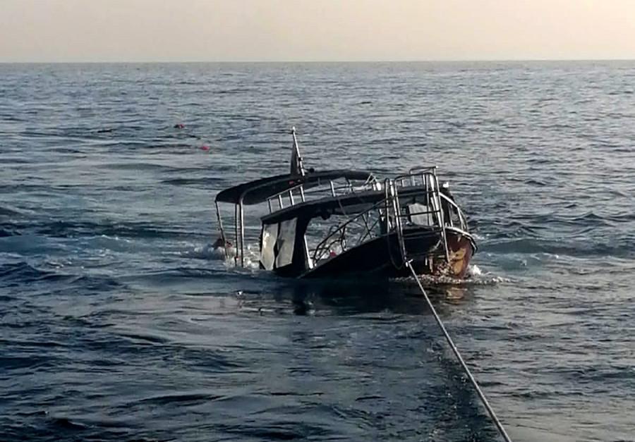 ForPost - Новости : «Ну очень большая!» Стали известны детали перевернутого из-за медузы катера