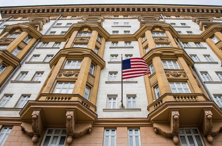 ForPost - Новости : Госдеп решил уволить 182 сотрудника американских дипмиссий в России