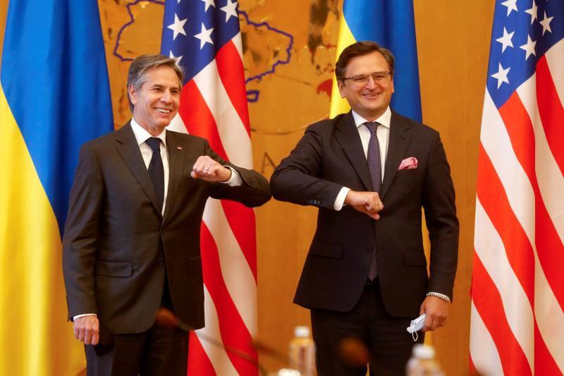 ForPost - Новости : Киев заявил, что ждет от Запада дорожную карту вступления Украины в ЕС и НАТО