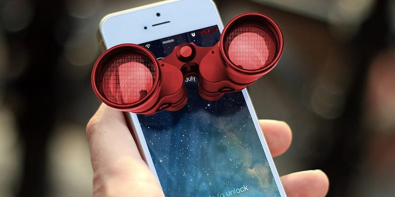 ForPost - Новости : Россиян предупредили, о чём лучше молчать рядом со смартфоном