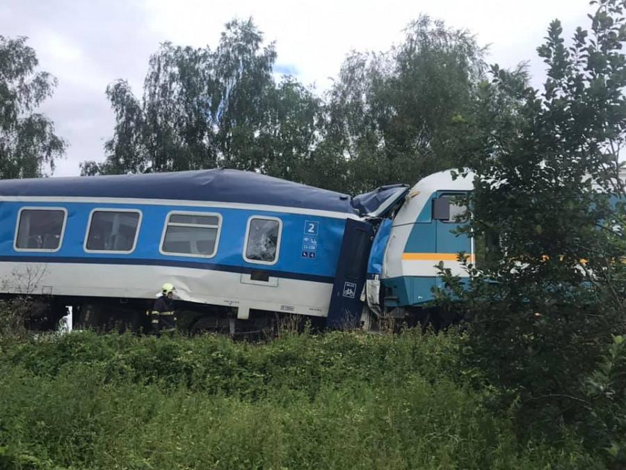 ForPost - Новости : При столкновении пассажирских поездов погибли люди. Видео