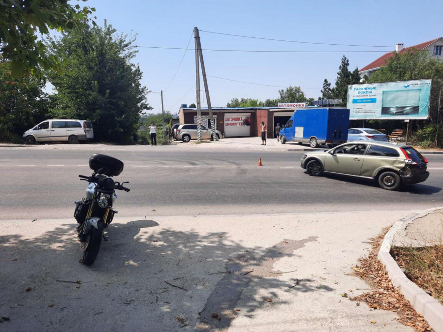 ForPost - Новости : В Севастополе водитель иномарки сбил мотоциклиста