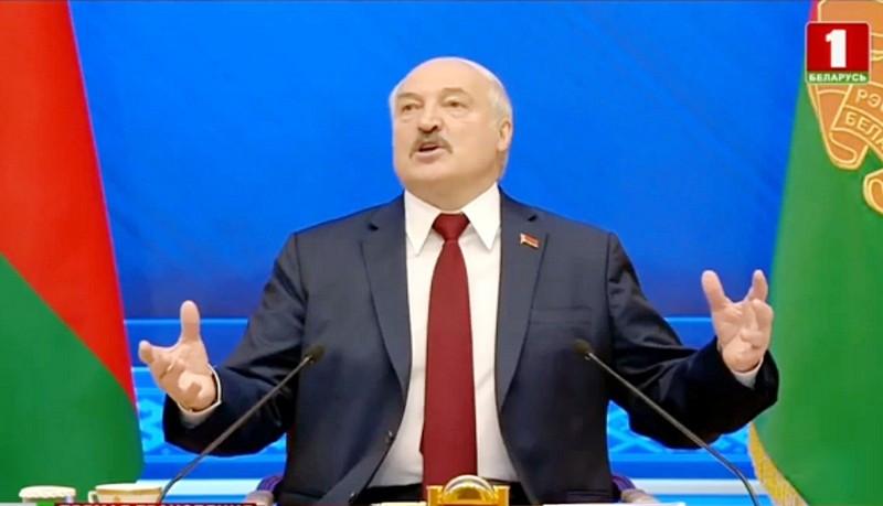 ForPost - Новости : Лукашенко признает Крым вслед за российскими олигархами