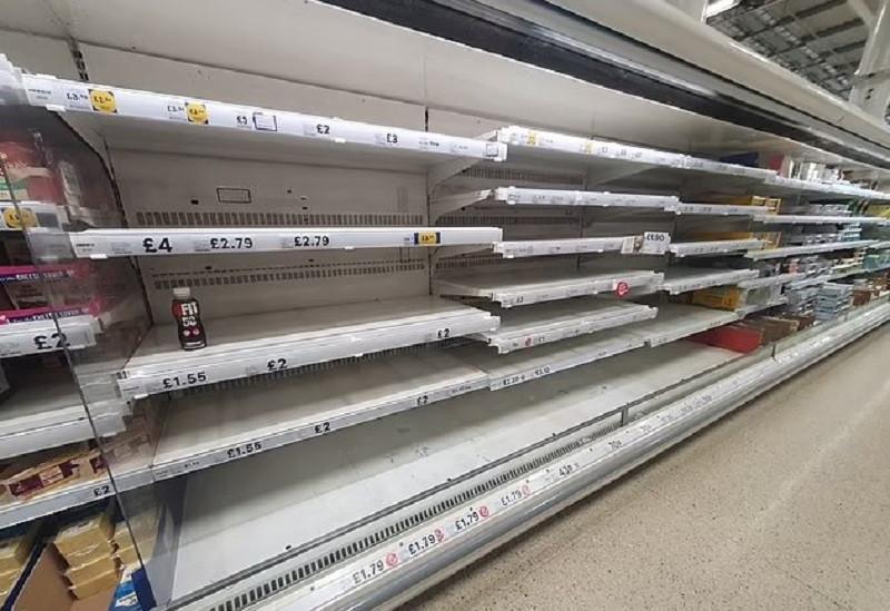 ForPost - Новости : Британцы бьют тревогу из-за дефицита еды в магазинах