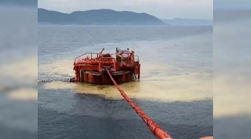 ForPost - Новости : Площадь разлива нефти в Чёрном море увеличилась в 400 тысяч раз. Видео