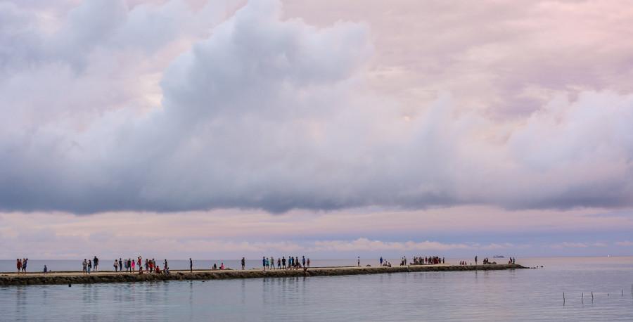 ForPost - Новости : Девушка поехала на острова на выходные, но застряла там на полтора года