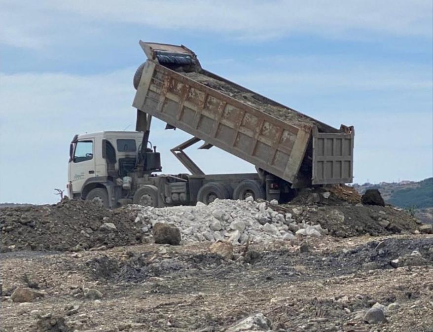ForPost - Новости : Правительство и полиция Севастополя занялись странной свалкой строительных отходов