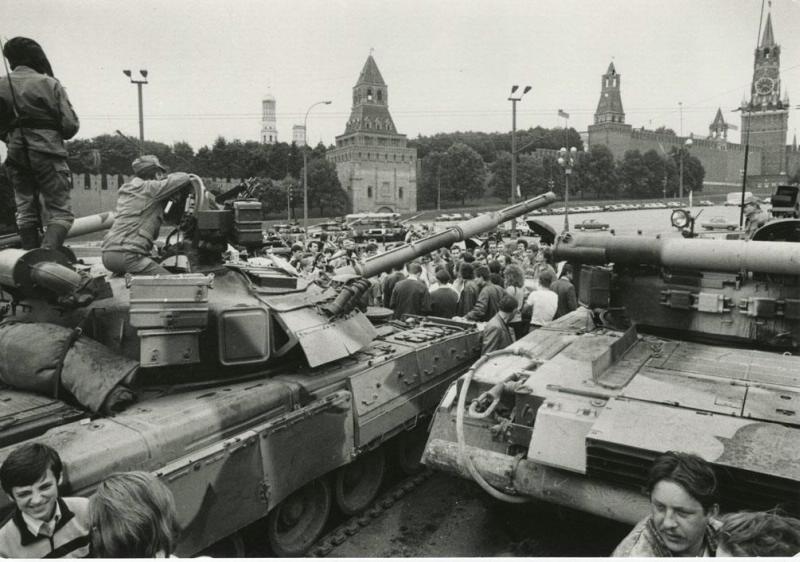 Есть ли смысл в спорах об августовском путче и развале СССР?