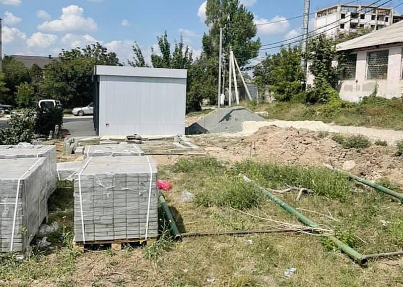 ForPost - Новости : Крымчане возмущены превращением спортплощадки в «наливайку»