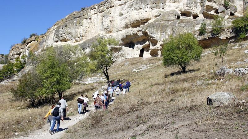ForPost - Новости : «Крымское хамство»: гиды пещерного города напали на туристов